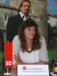 kandidatka OS Ana Velikonja